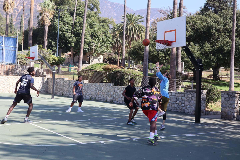 sam basketball1.jpg