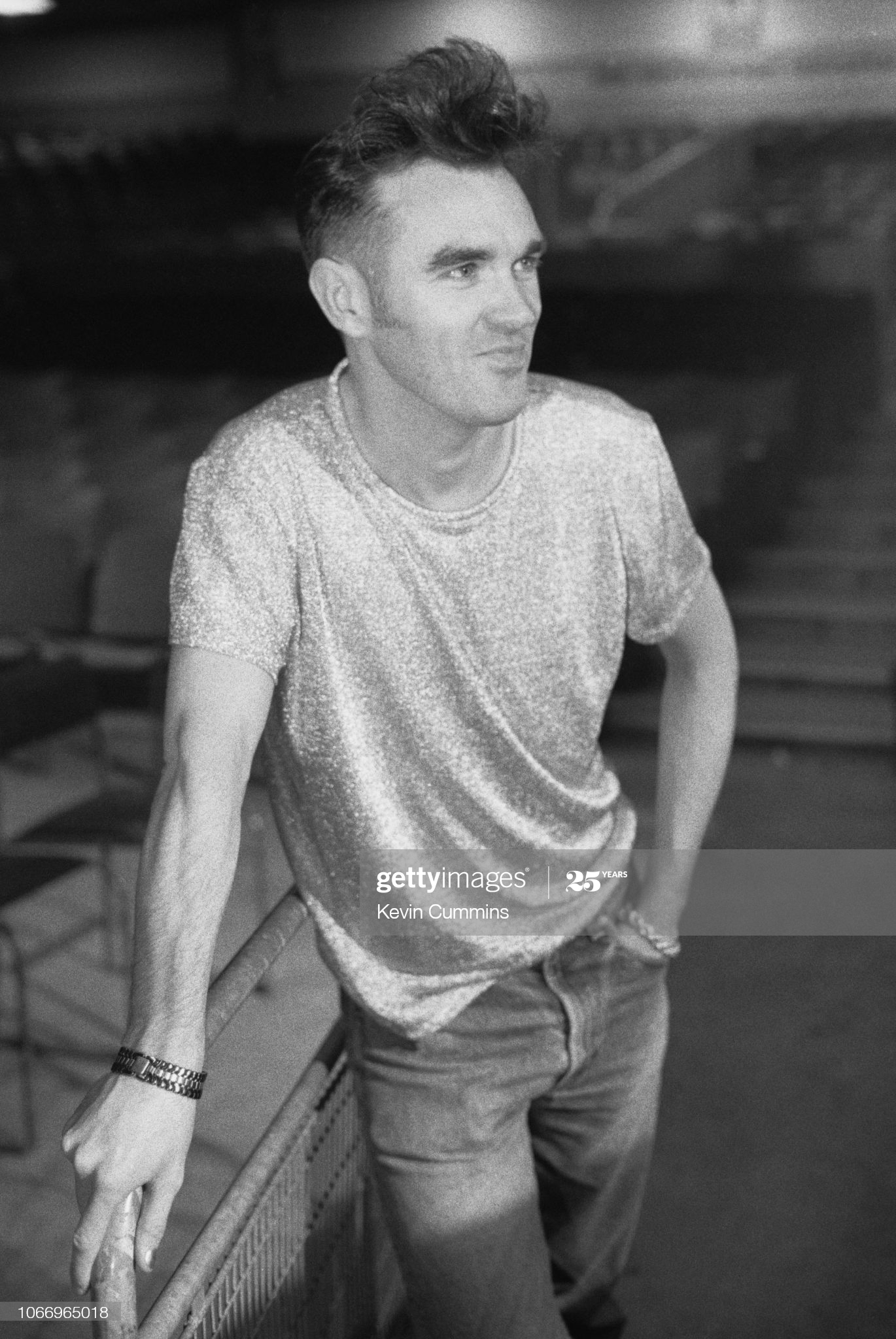Morrissey Dublin 27th April 1991 Kevin Cummins.jpg