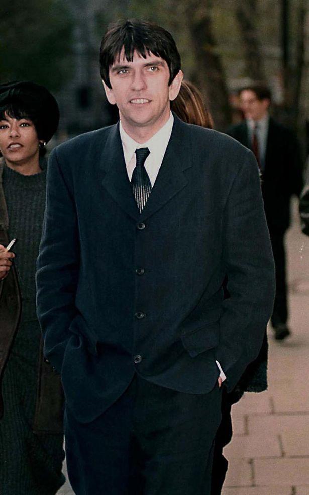 'SMITHS' ROYALTIES CASE AT HIGH COURT LONDON BRITAIN 1996 MIKE JOYCE.jpeg